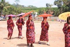 Резиденты с уникальными и броскими костюмами стоковое фото