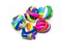 Резиновые браслеты Носка браслета моды силикона круглая социальная Белая предпосылка Стоковые Фотографии RF