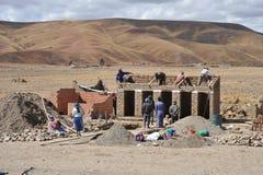 Резиденты боливийских горных сел в Altiplano Стоковое фото RF