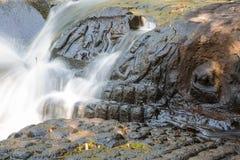 Резное изображение реки Kbal Spean стоковое фото