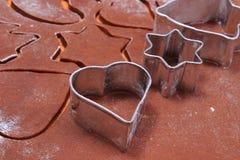 Резцы и тесто печенья металла для пряника Стоковые Изображения RF