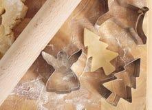 Резцы и тесто печенья рождества Стоковые Фото