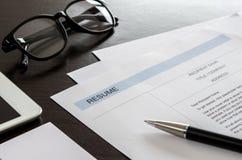 Резюме конца-вверх, ручка, цифровая таблетка, eyeglasses и дело ca Стоковые Изображения RF