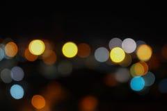 Резюмируйте запачканный взгляд ночи пересечения bokeh повышенный городом Стоковая Фотография