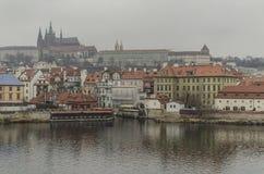 Река Влтавы и город Праги чехия стоковое изображение