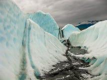Река внутри ледник Matanuska, Аляска Стоковые Изображения RF
