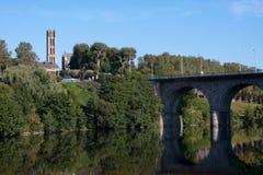 Река Вьенны в Лиможе, Франции Стоковое фото RF