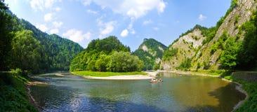 Река в горах Pieniny, Польша Dunajec Стоковое Фото