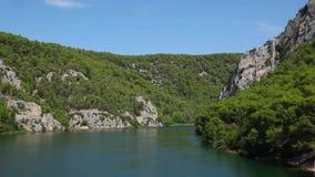 Река в национальном парке Krka, Хорватии сток-видео
