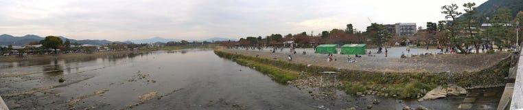Река в районе Arashiyama, Киото Hozugawa, Япония Стоковые Фотографии RF
