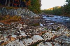 Река горы во времени осени Стоковая Фотография RF