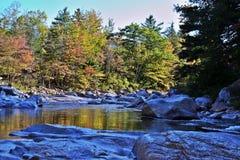 Река горы в Нью-Хэмпширский осени Стоковые Изображения