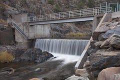 река горы диверсии запруды Стоковое Фото