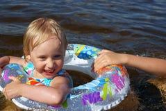 река девушки счастливое Стоковая Фотография RF
