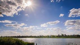 Река день лета солнечный стоковые фотографии rf