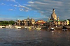 Река Дрездена Эльбы стоковые фотографии rf