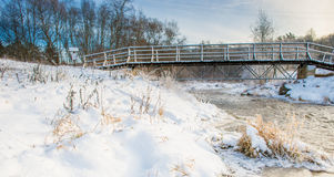 Река и мост зимы Стоковые Изображения RF