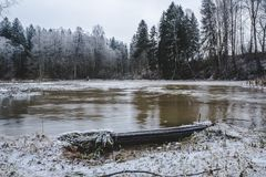 Река и речные пороги ` s Sjundby Стоковые Фотографии RF