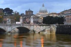 Река и St Peter Тибра стоковое фото