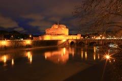 Река крепости и Тибра Анджела Святого в Риме, Италии Стоковая Фотография RF