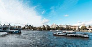 Река Лондона или река Темза в Лондоне Стоковые Фото