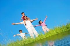 река лужка famili счастливое Стоковые Изображения