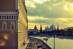 Река Москвы на заходе солнца Стоковые Фотографии RF