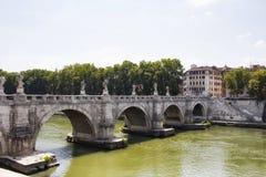 Река моста и Тибра St Angelo Стоковые Изображения RF
