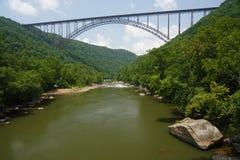 река моста новое сценарное стоковая фотография rf