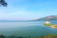 Река, озеро и гора, Таиланд Стоковые Фотографии RF