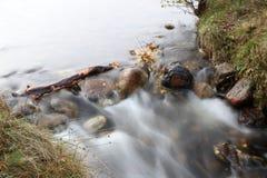 Река осени в северо-западе Шотландии стоковые фото