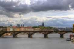 Река Праги, Влтавы, собор St Peter и Пол, чехия Стоковые Изображения