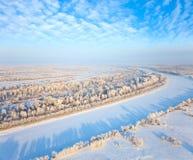 Река пущи в дне зимы Стоковые Изображения