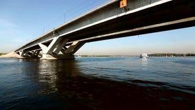 Река регаты ветрила яхты сток-видео