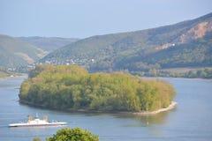 Река Рейн с паромом Стоковые Изображения RF