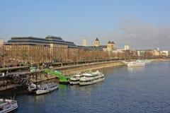 Река Рейн с штабами европейского агенства безопасности полетов, Кёльн стоковые изображения rf