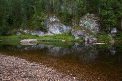 Река среди утесов Стоковое Изображение