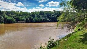 Река с валами Стоковые Фотографии RF