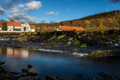 Река с домом Стоковые Изображения RF