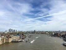 Река Темза от моста башни, Лондон, Великобритания Стоковая Фотография