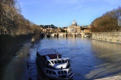Река Тибр то ome Италия границ Стоковые Изображения RF