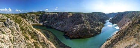 Река Хорватия Zrmanja стоковые фотографии rf