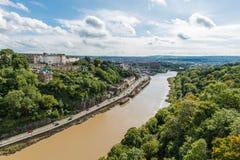 Река Эвон и доверие висячего моста Клифтона ландшафта в Бристоле, Великобритании Стоковая Фотография RF