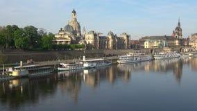 Река Эльба, солнечное утро в апреле Дрезден, Германия