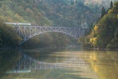Река Япония Tadami моста Фукусимы первое стоковые изображения rf