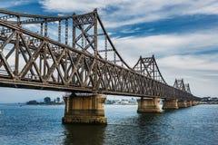 Река Ялуцзян -- Граница Китая DPRK Стоковые Изображения