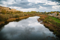 Река Agueda в Ciudad Rodrigo Стоковая Фотография RF