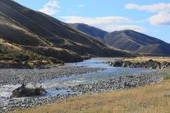 Река Ahuriri, Omarama, Otago, Новая Зеландия Стоковые Изображения