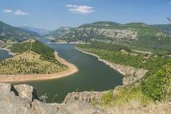Река Arda самое большое река Rhodope Оно возникает от пика Ardin Река имеет исключительно красивое curvesm Стоковая Фотография RF