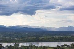 Река Beni в боливийских джунглях (зоне Rurrenabaque) на заходе солнца Стоковое фото RF